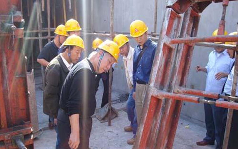 国家建设部、中建协领导专家参观西安公司项目部